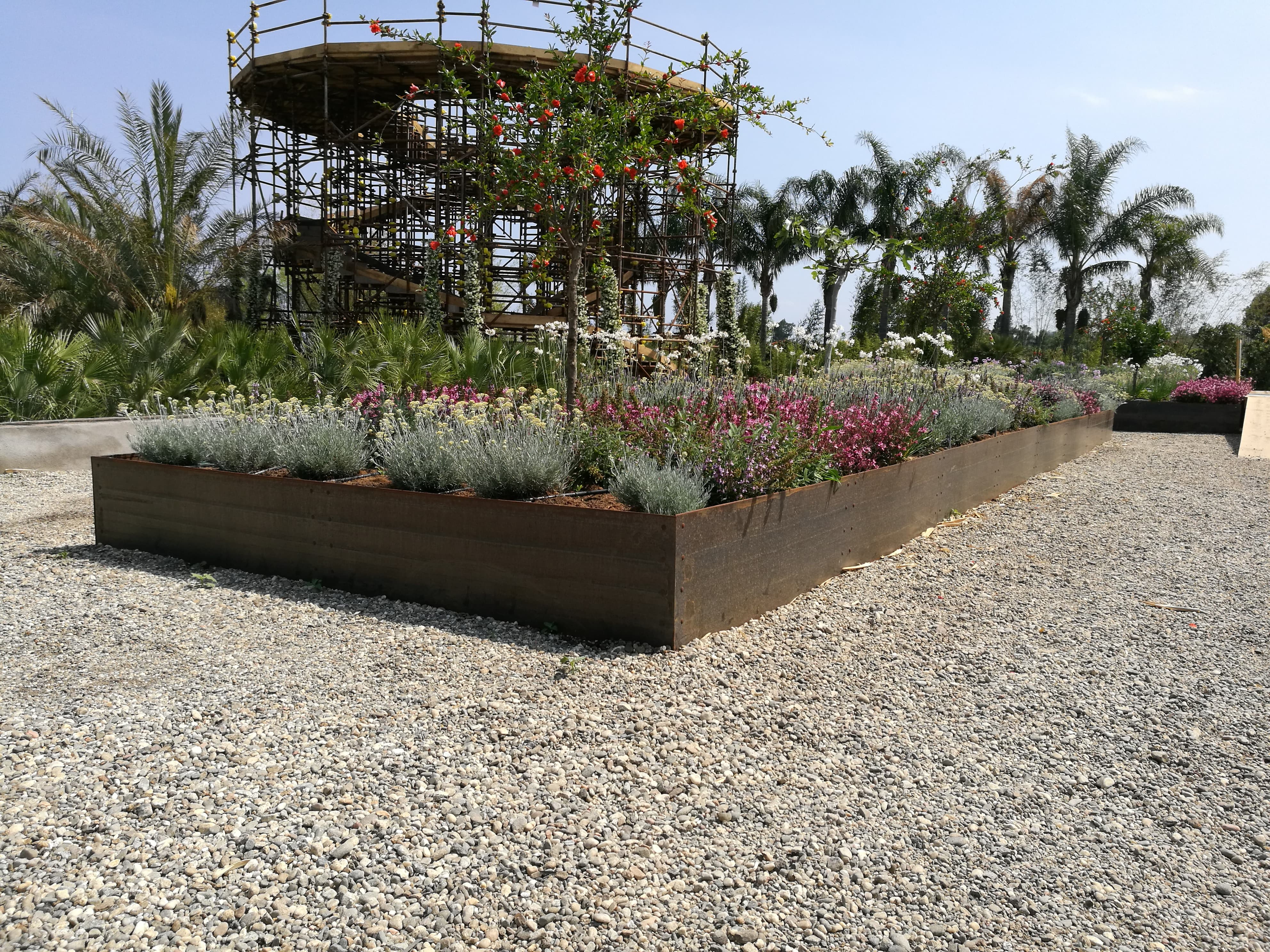 Ironwall PLS R – Steel raised flowerbeds