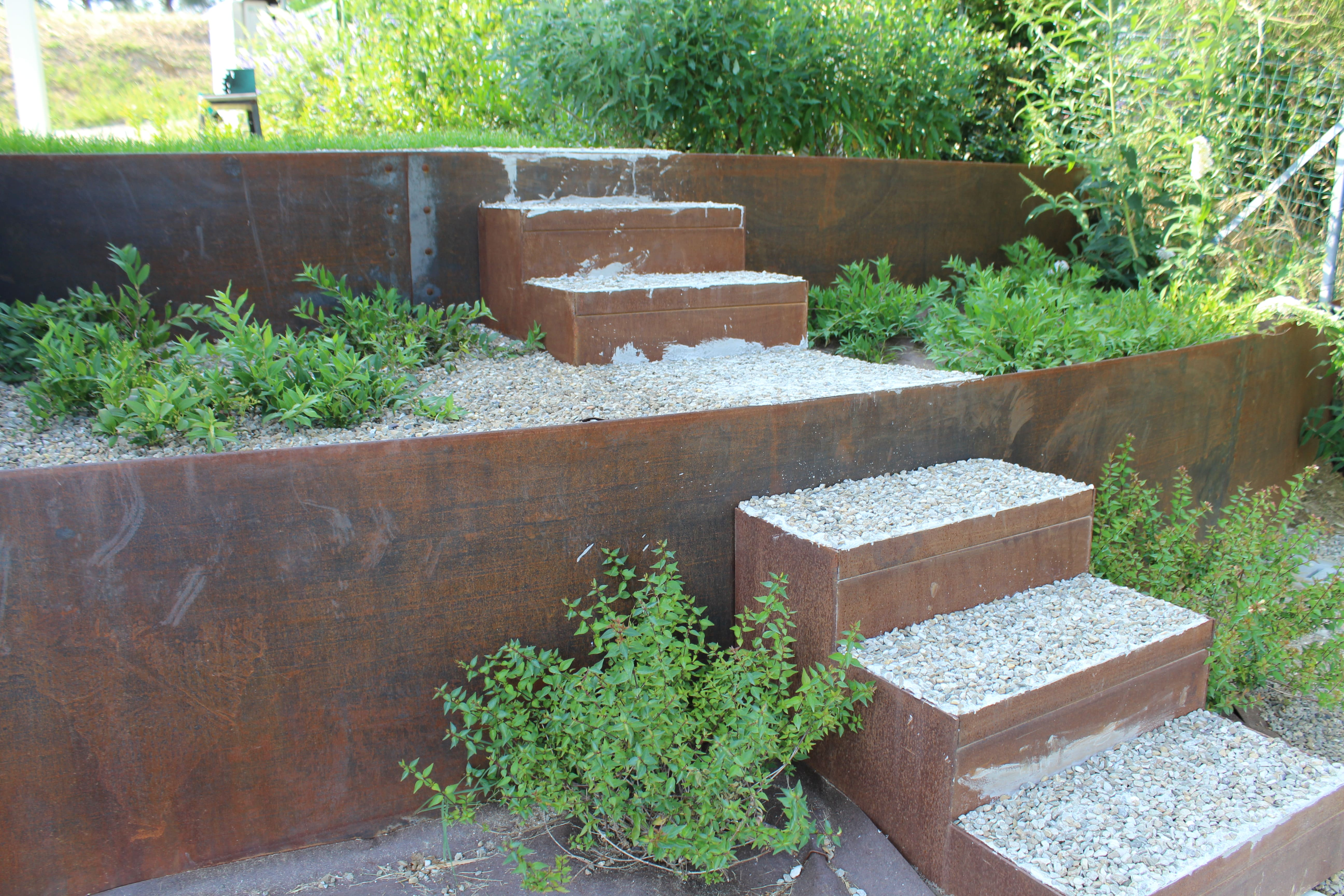 Ironwall PLS – Steel raised flowerbeds